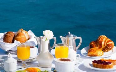 colazione-sant-angelo-ischia-casa-celestino-01-thumb-1200x800
