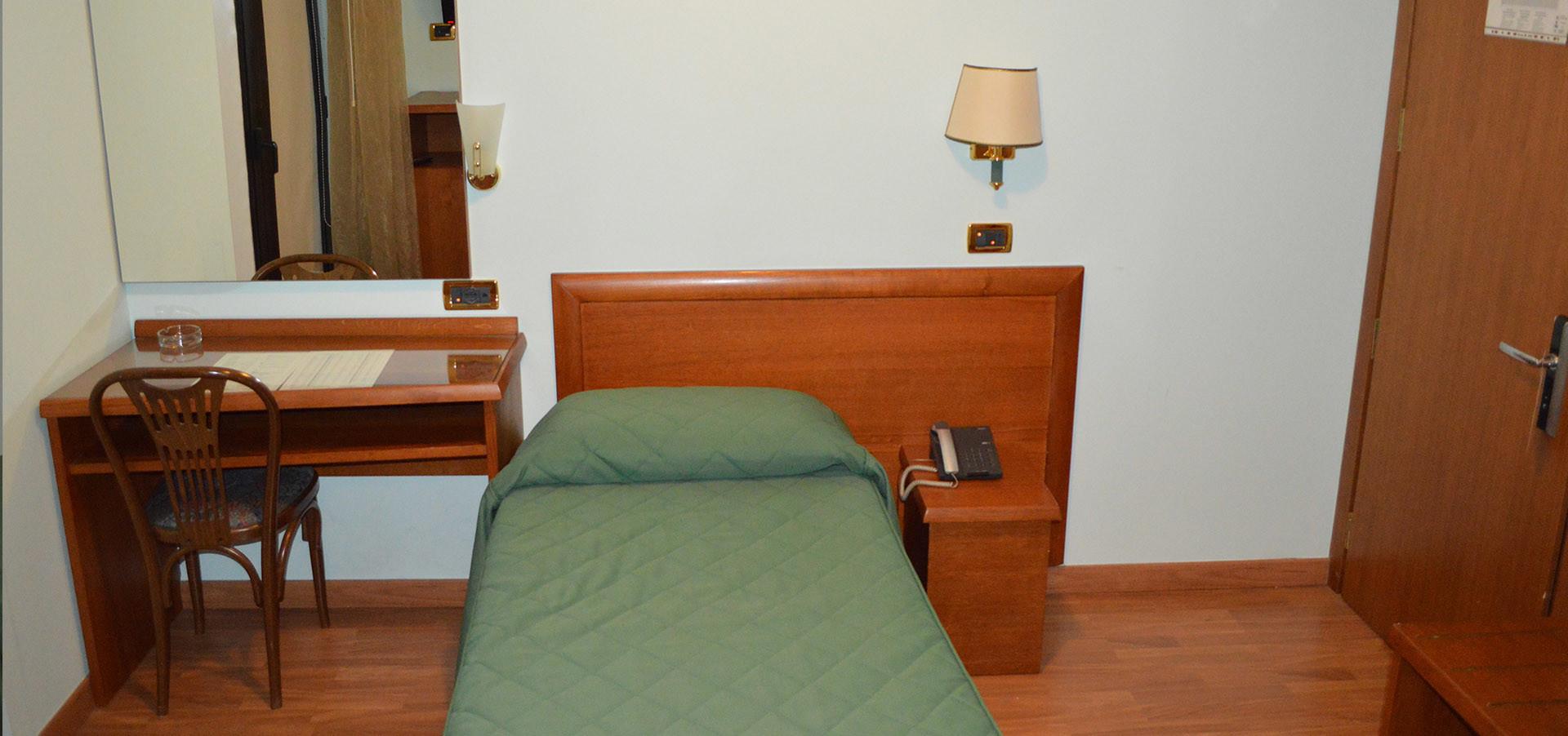 singola_canadian_hotel_l_aquila