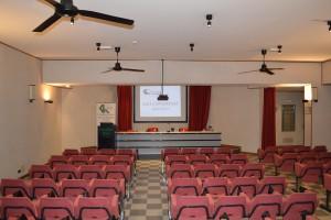 sala_conferenze_2_hotel_canadian_l_aquila