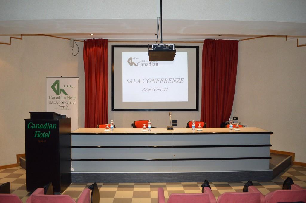 sala_conferenze_canadian_hotel_l_aquila